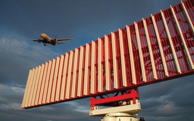 México: ante la falla de radar en AICM, controladores salen airosos