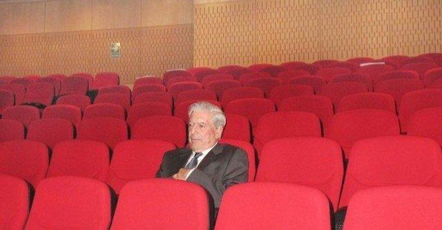 Vargas Llosa: el laberinto de un Honoris causa